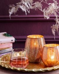 Teelichter und Kerzenhalter